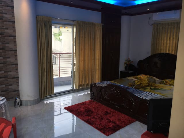 Cozy penthouse room in Gulshan