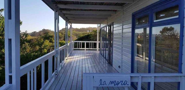 La Mora Casa frente al mar en La Pedrera