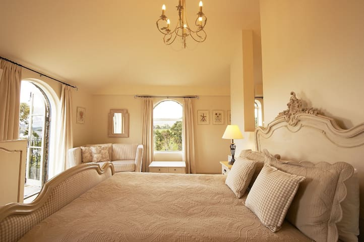 Villa Howden - pure luxury...