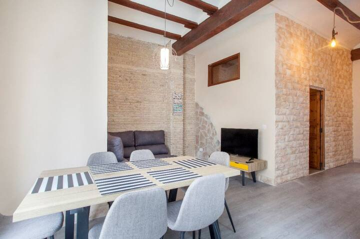 Rustic cosy Apt. with charm in the historic centre