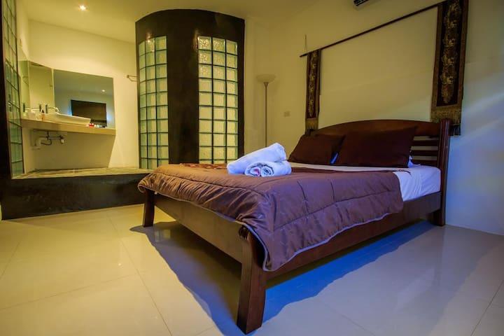 JASMIN - STANDARD DOUBLE BEDROOM A/C
