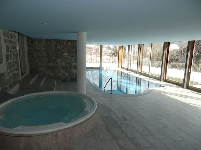Large Luxury 5* Apartment With Pool,  4 Bedrooms