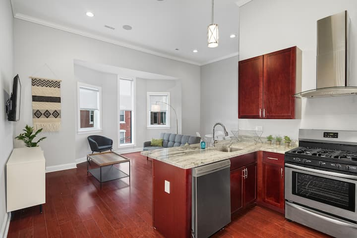 Private Place in Philly's Charming Queen Village