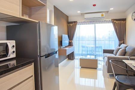 Beach Holiday Condo LB1B0403 - Pattaya City