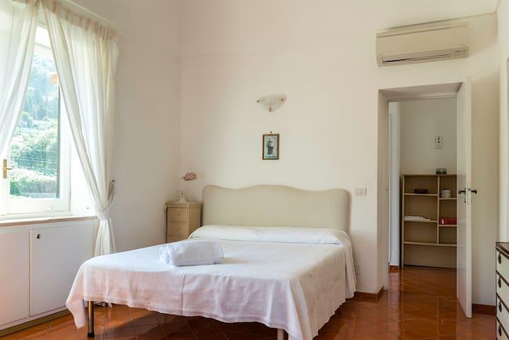 Grazioso appartamento - vista mare e balcone