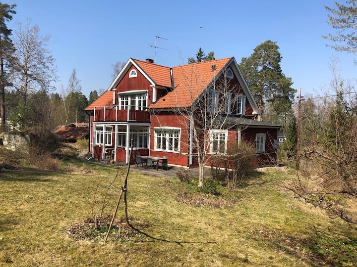 Large family house close to Uppsala city & lake