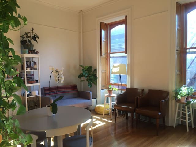 Gorgeous 1 bedroom in Brooklyn Heights!