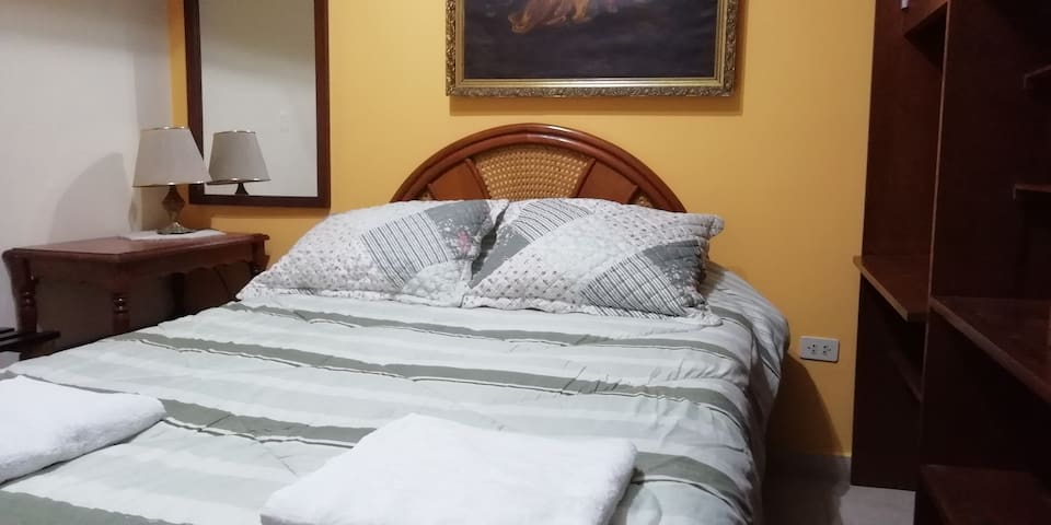 Lima, Bed And Breakfast -2g-1r-1mb-1sb