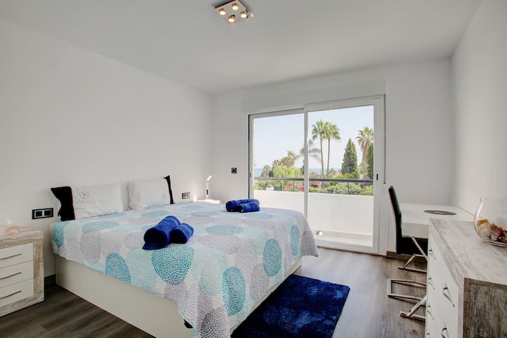 Estepona brand new 3 bed townhouse by the beach