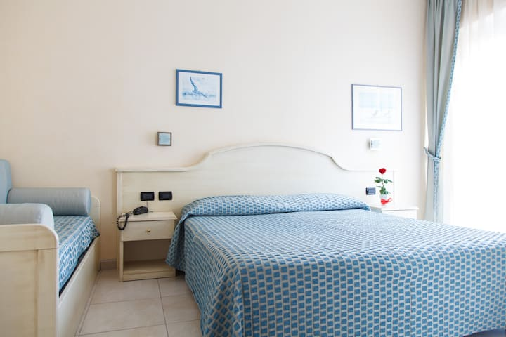 Camera tripla - Hotel Rosa benessere e spa - Alassio - Bed & Breakfast