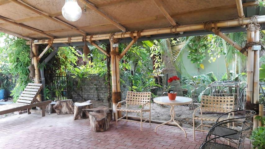 Zee Camelia Guesthouse