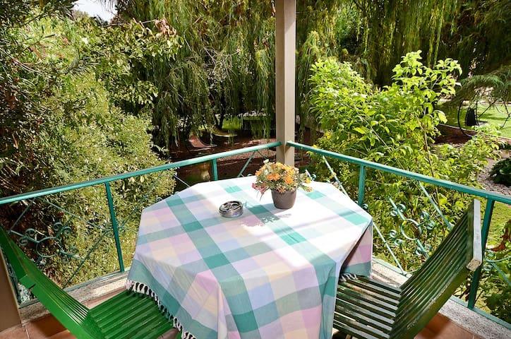 Green Garden Relaxing Double Room & Hot Tub
