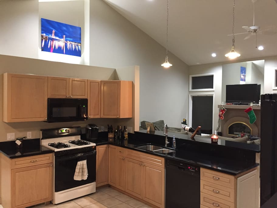 Charming 3 bedroom home houses for rent in charlevoix for 7 bedroom house for rent in michigan