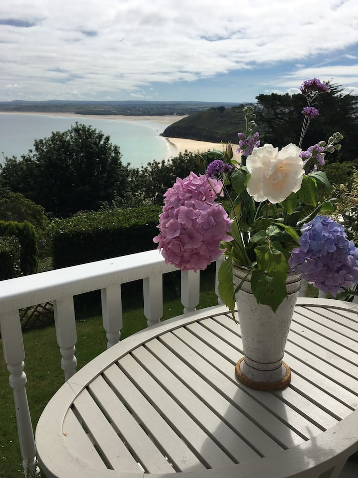 Carbis Bay apartment with sea views and parking