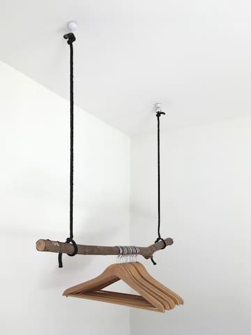 Handy hangers