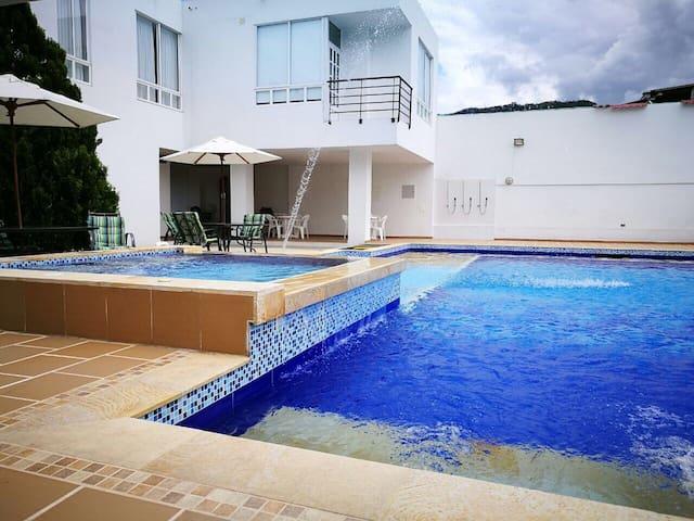 101 Apartamento Familiar Oasis en Villeta 101