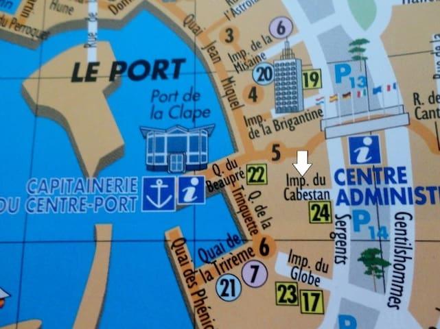 studio centre port 200 m plage et port