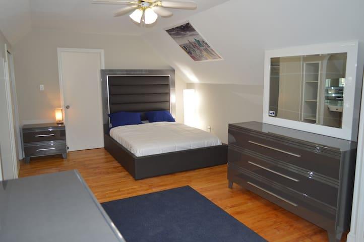 Entire private 1 BR apartment near NYC!