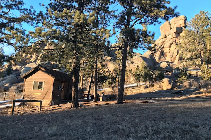 Twin Rock Bunkhouse Spring Special, Dog friendly
