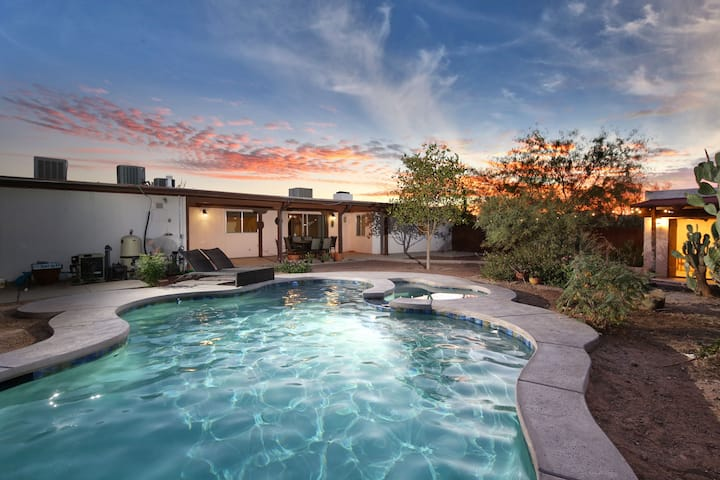 Remodeled Desert Hideaway - 15 Min From Downtown