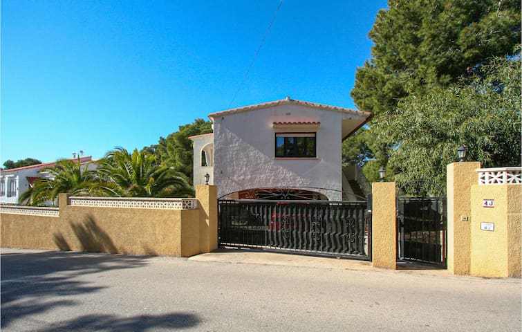 Holiday cottage with 3 bedrooms on 110m² in Calp