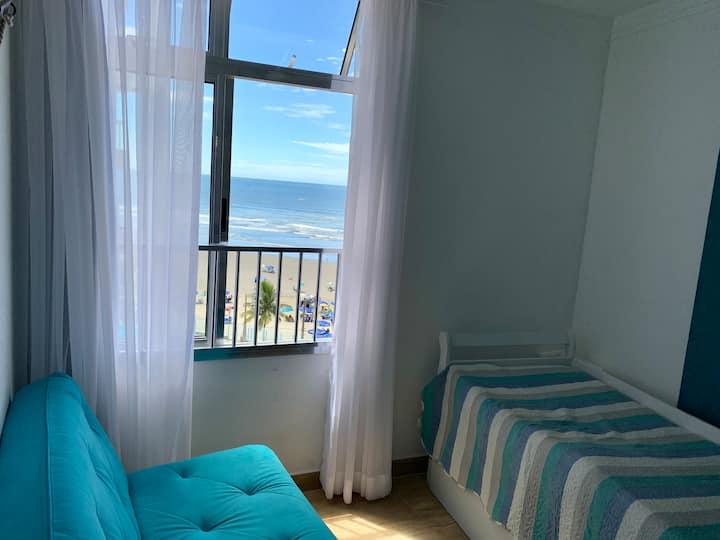 Apartamento pé na areia em Itanhaem/SP frente mar