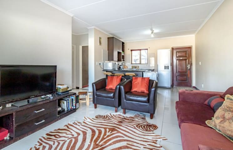 Entire Modern & Spacious townhouse, in Midrand