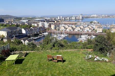 Garden studio with stunning views over Cardiff
