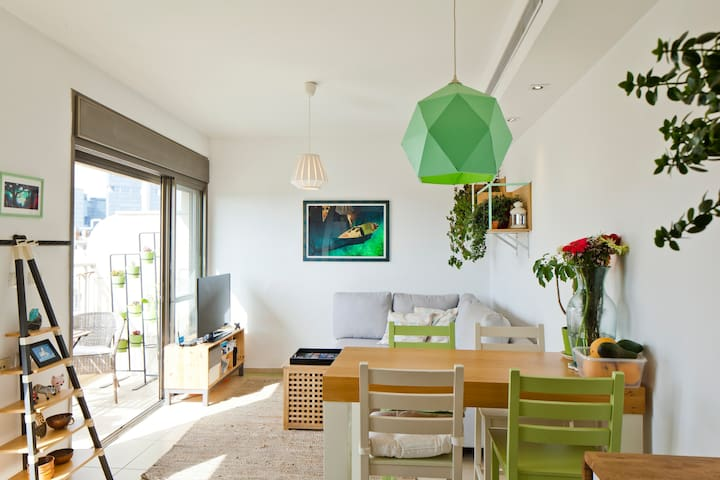 Mini duplex with 2 balconies and great sunsets - Tel Aviv-Yafo - Apartamento