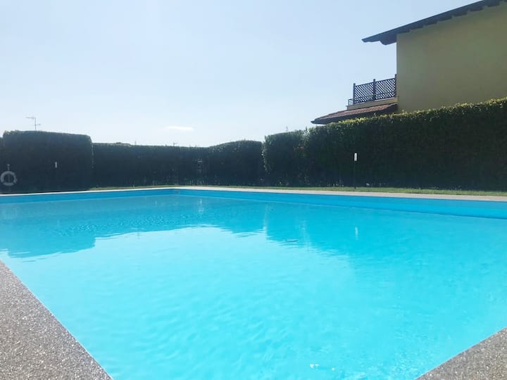 Villa The Sweet Rose with Pool