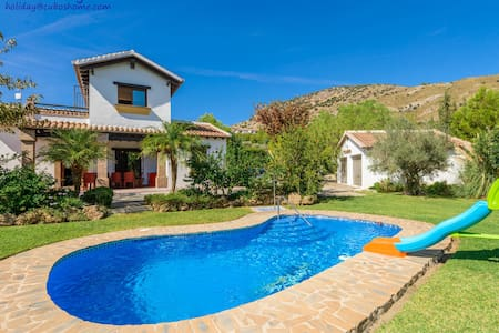 Andalucian style, with private garden and pool - Coín