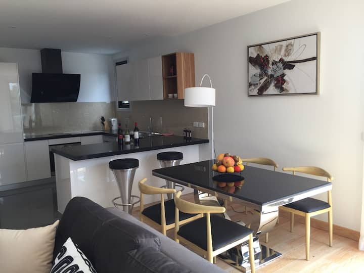 Unit 9, Block C, PIT Luxury 1 bedroom Apartment