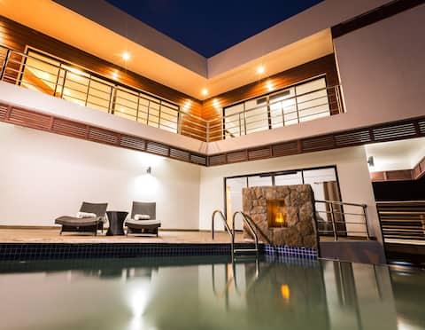★Sargas Villa★New! $1M Piton & Ocean Views!! Woww!