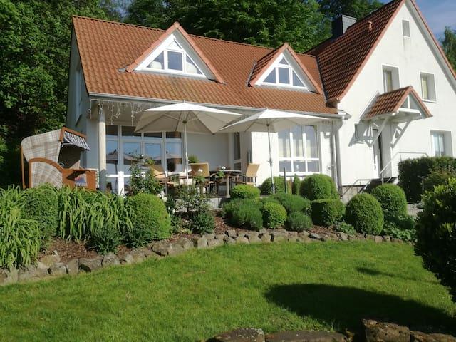 Ferienwohnung am Benther Berg mit eigenem Garten