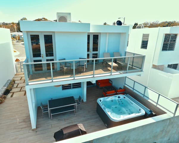 Beachfront Villa, Terrace, Pool, Hot Tub & More.