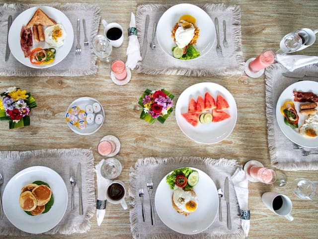 Breakfast (extra cost)