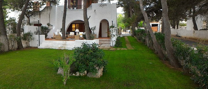 PESCHICI BEAUTIFUL VILLA ON THE BEACH