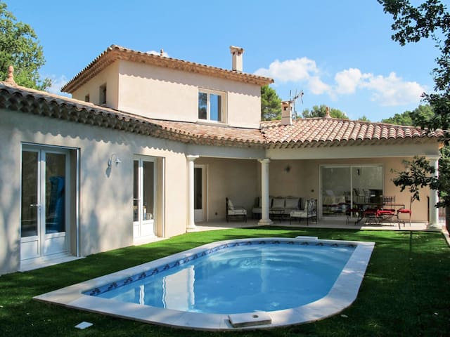 Holiday house for 6 persons in Draguignan