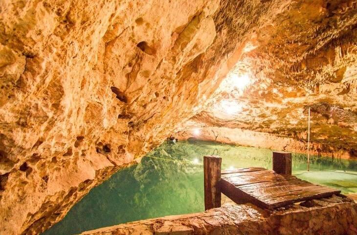 Cenote San Antonio Hammocks & Restaurant