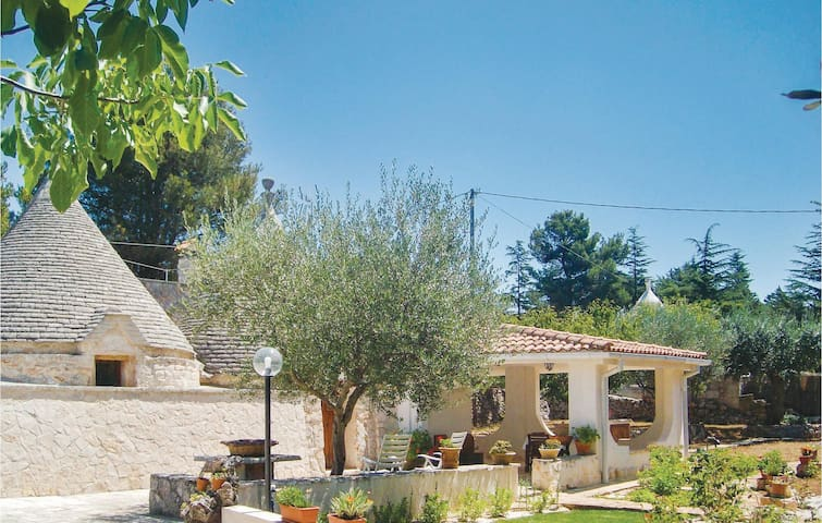 Holiday cottage with 2 bedrooms on 100m² in Putignano -BA-