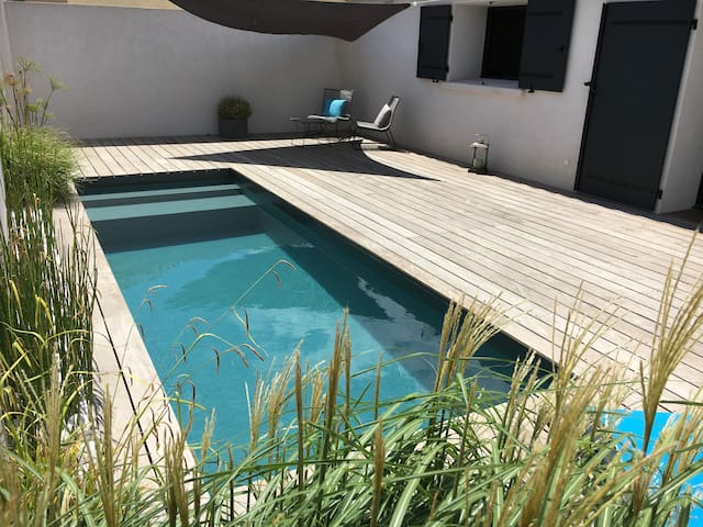 PROVENCE. BEACHES. PRIVATE. HEATED POOL - Istres - House