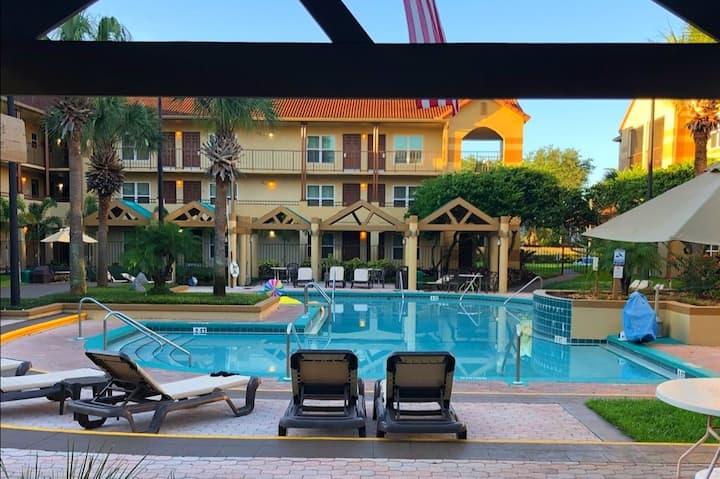 One-Bedroom Suite At Blue Tree Resort!