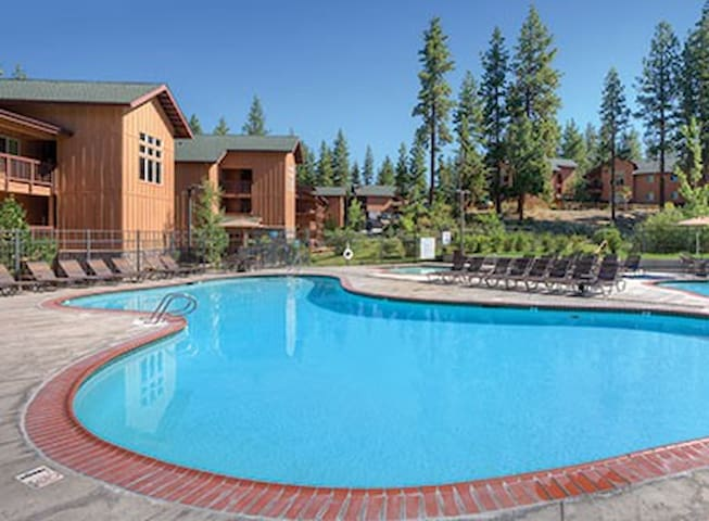 Lake Tahoe Zephyr Cove Resort 3BR - Zephyr Cove-Round Hill Village - Villa