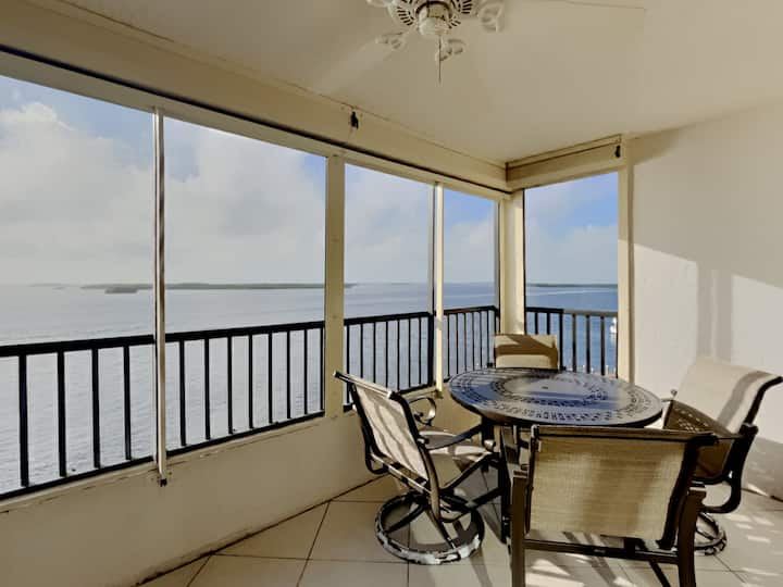 Punta Rassa - Unit 404 | Furnished Waterfront Condo