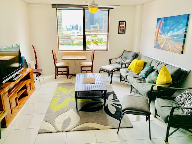 *Room in Spacious Apartment w/ Views*