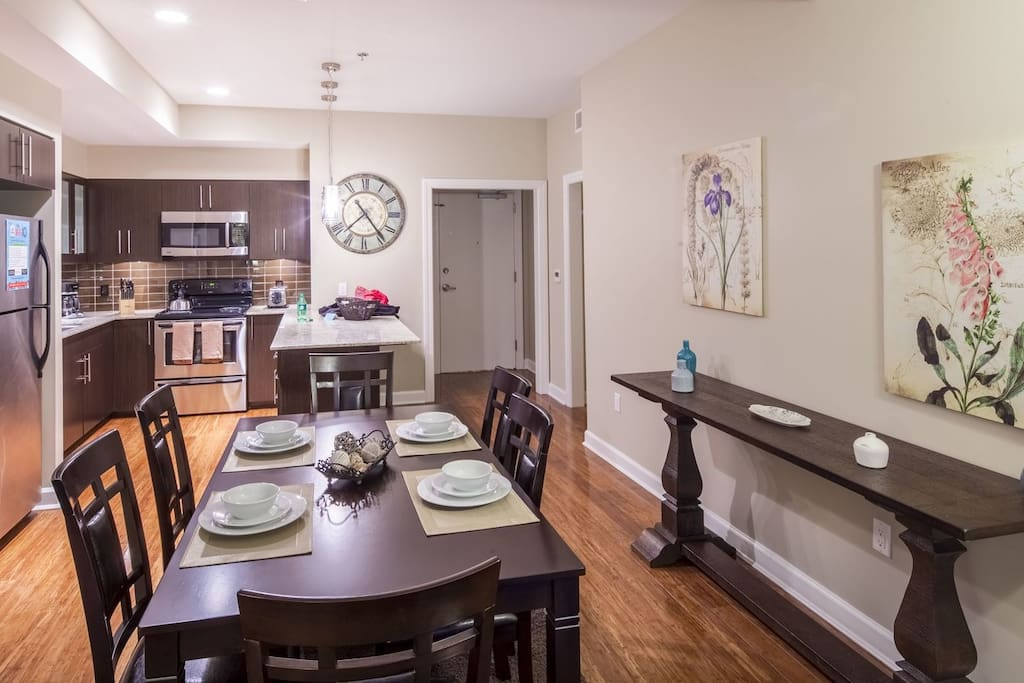 Stay Alfred Memphis Vacation Rental Dining Area