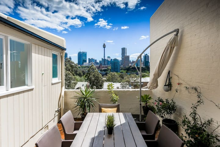 Sunny, private with great views in Potts Point. - Potts Point - Apartament