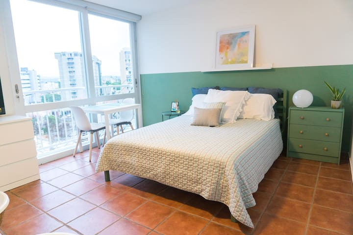 Wonderful Studio with beach access at Isla Verde.