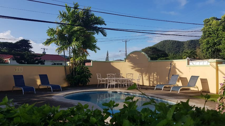 Prime Location Private Beach Room. Rodney Bay
