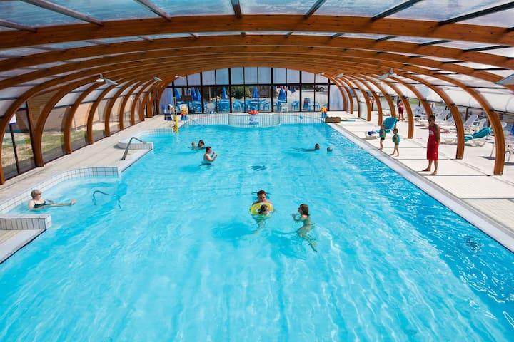 Magnifique mobil home camping 4* piscine couverte